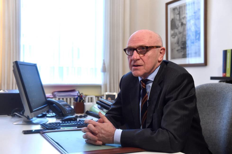 Puigdemont's Belgian lawyer Paul Bekaert Questions the Credibility of the Said Arrest Warrant