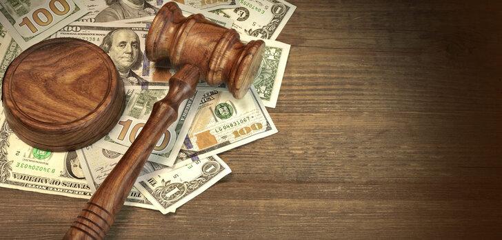finance-lawyer-1